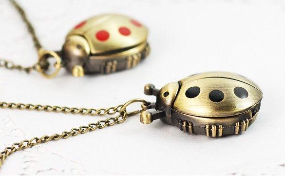 Meilleur match 10pcs * coccinelle collier feuille pendentif table collier pendentif collier
