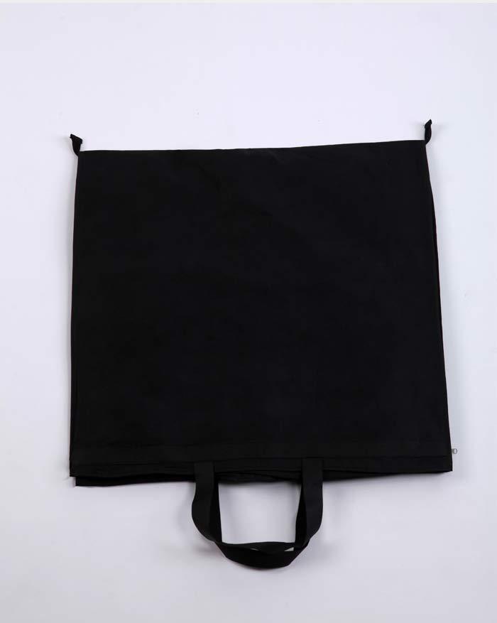 Sacs anti-poussière noirs de vente d'usine non tissés et tulle pour robes et robes /