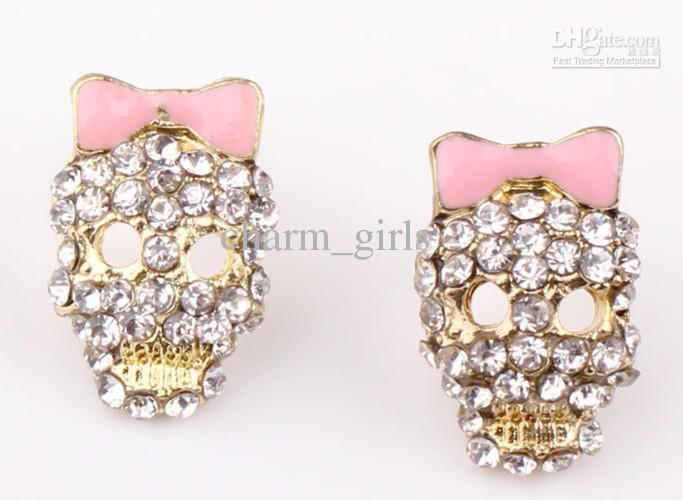 Boucles d'oreilles élégantes en forme de crâne de cristal