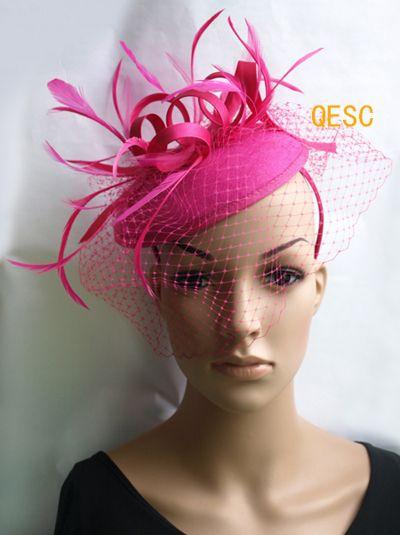 Hot rose/fuchsia feutre fascinateur / mariage course carnaval fascinateur avec plumes et voile.