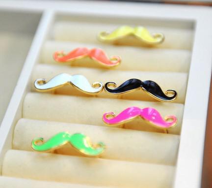 100pcs * Hot venda Bigode colorido dedo anelar jóias baratas ADORÁVEL Beard