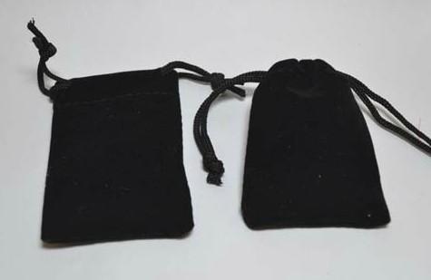 Livraison gratuite noir de haute qualité sac de velours bijoux sacs de noce perles de bonbons cadeau de noël sacs