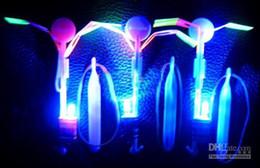 tir à lame en gros Promotion Fusée lumineuse, vente chaude légère 100pc / lot jouets amsement d'activité