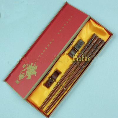 Gravierte einzigartige Essstäbchen Geschenke Boxen Set High End chinesischen Holz 2 Sätze / Pack (1set = 2 Paar) frei