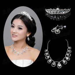 Wholesale Tiara Necklace Set Pearl Crystal - Wholesale!hot sale New arrival beauty Set tiaras ear and necklace bridal jewelry
