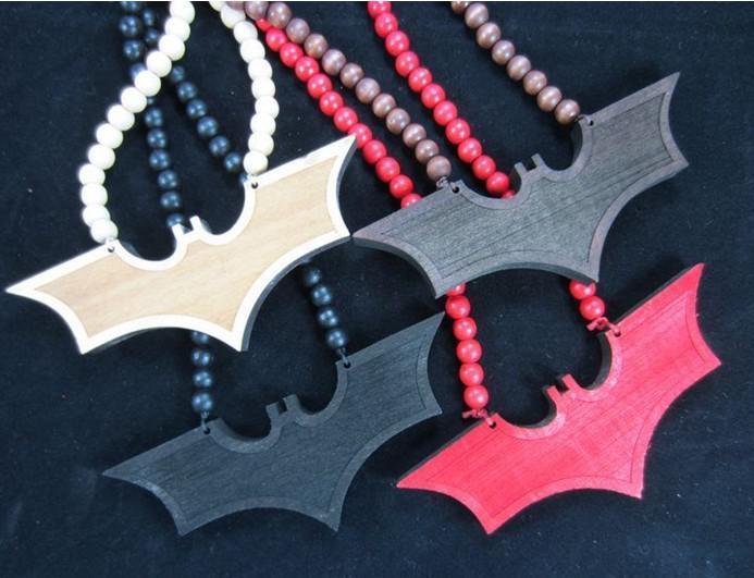 Hip-Hop Goodwood nyc Mix 2PCS Bat Man Pendentif blackred Bon bois collier de perles de la chaîne