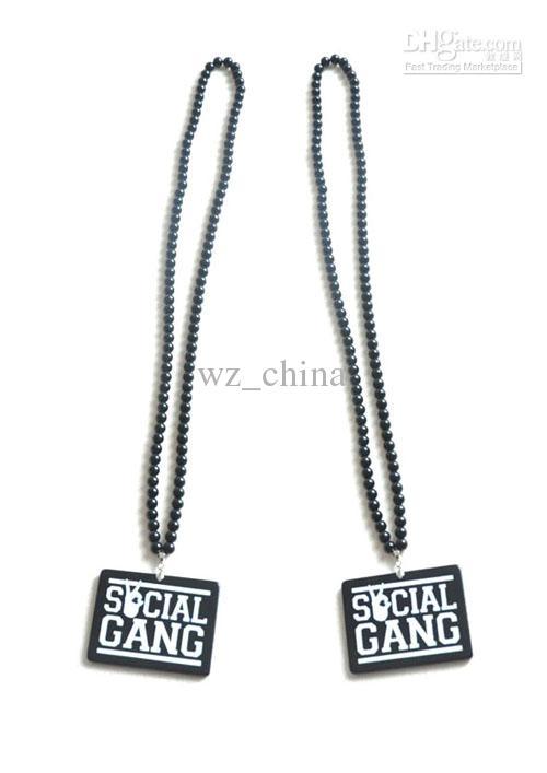 20% Rabatt! HIPHOP Acryl Perlenkette nicht aus Holz Schwarzer Anhänger Rosenkranz Halskette 10St