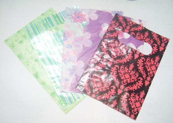 95 sztuk / partia Mix Kolory Styl Plastikowy Zakupy Prezent Torby Wouches Opakowanie Wyświetlacz dla DIY Moda Biżuteria WB32