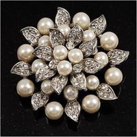 krem çiçek broş toptan satış-Gümüş Kaplama Rhinestone Kristal Krem İnci Yaprak Lotus Çiçek Gelin Broş Pin