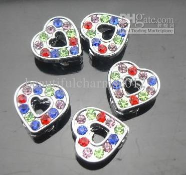Partihandel 50st / mycket 8mm Färgglada Rhinestones Heart Slide Charms Fit 8mm Telefonremsor DIY Tillbehör Mode Smycken