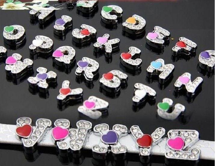 Atacado 130 pçs / lote 8mm A-Z coração slide letras DIY acessórios Do Alfabeto apto para 8mm pulseira de couro pulseira