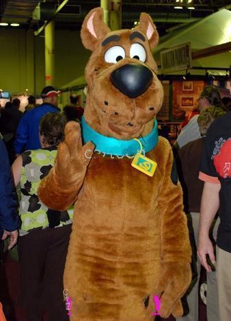 Brand New Scooby Dog Plush Mascot Traje Adulto Crianças Crianças Criança Presente Brinquedo Frete Grátis