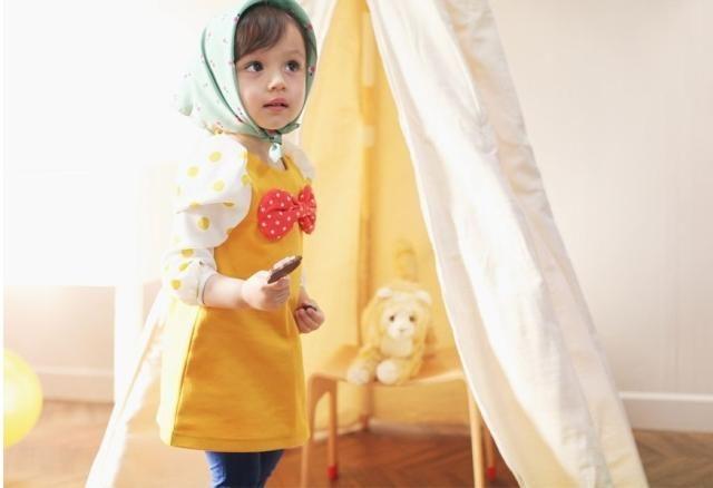 Mädchen Baby große Kreis Kreuzung langärmelige Kleider