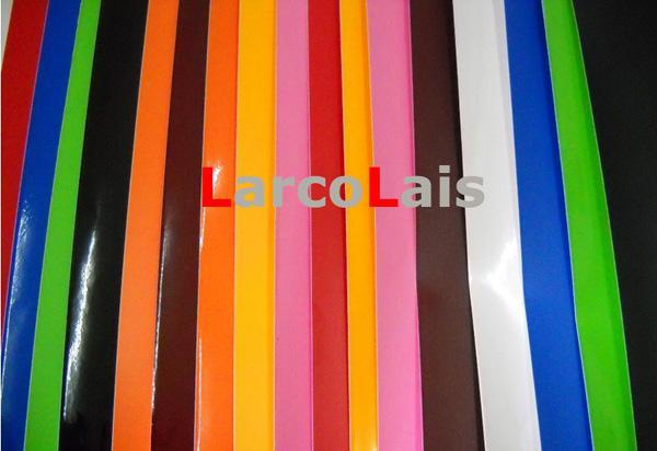 バブルフリー1.52m * 30mマット光沢のあるオレンジ色の炭素繊維ビニールのラップフィルムの空気放出排水車のステッカー