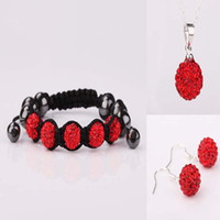 kristall pflastern perlen ohrringe großhandel-Dazzling 10mm Red Micro Pave Disco Kugel Kristall Bead Makramee 5 Bälle Armband + Halskette + Ohrringe gesetzt