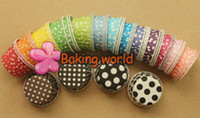 Hot Selling 2000pcs Mix 17 couleurs rondes MUFFIN Paper Cake Cup Cake Case with White Dot