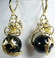 Charmante boucle d'oreille Black Jade Dragon Charmante boucle d'oreille Black Jade Dragon