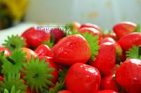 plastik yapay dekoratif meyveler toptan satış-Çocuklar için yapay Meyve Plastik Çilek Ev Dekoratif Eğitici oyuncak 100 adet / grup
