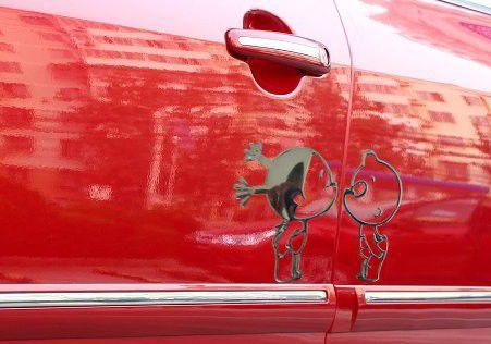 50 UNIDS / LOTE Pegatinas Baratas Para Coche PVC Pobaby 12 * 10 cm de tres colores divertidos pegatinas de calcomanías de coches De China