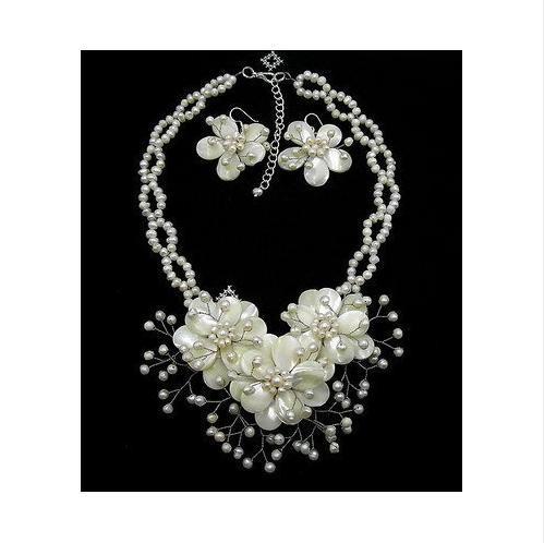 Bruiloft sieraden natuurlijke parelmoer shell zoetwater parel bloem ketting oorbel set 16 ''