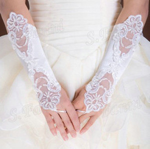 Wholesale Best Selling! Lace Fashion Wedding Gloves Bridal Accessories Cheap Wedding Glove Formal Wear