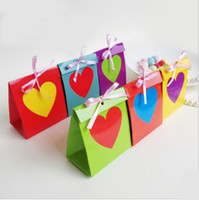 Wholesale Rainbow Wedding Favor Boxes - European Stylish Paper Candy Box with Rainbow Heart Bow for Wedding Birthday Party 7 Colors 2 Sizes