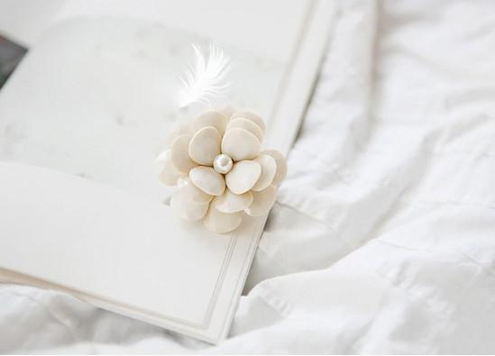 크림 꽃잎 반지 동백꽃 신축성 반지