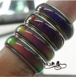 Venta al por mayor de El anillo de humor del tamaño de la mezcla 100pcs cambia de color a su temperatura revela su emoción interna joyería de moda barata