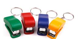 Envío gratis / mayorista llavero grapa / Mini grapadora / Desktop Stapler / serie de oficinas de alto nivel desde fabricantes