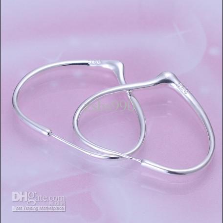 Helt ny högkvalitativ 925 Silver Heart Hoop Earrings Valentine Present Gratis Frakt 20Pair / Lot