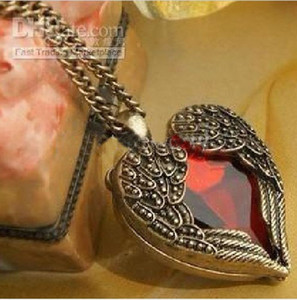 Wholesale Vintage Red Diamond Peach Heart Wings Long Necklaces With Ruby Chain Sweater Necklace