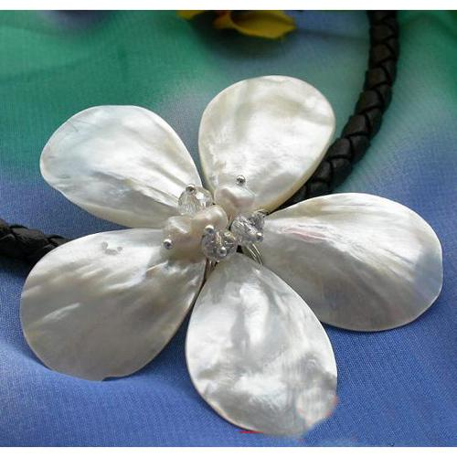 Ny ankomst 18inch vit kammusslor skalbasket blomma pärla halsband AA20mm blomma smycken gratis skepp