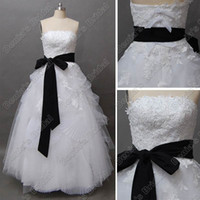 Wholesale brush bow - Sexy Ball Gown Straples Embroidery Lace Wedding Dress Black and White Brush Train Real Actual Images
