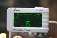 белый тюнер оптовых-Мини-белый / черный LED цифровой тюнер гитара бас укулеле тюнер / 360 гират (новый пакет с двумя плектрами)