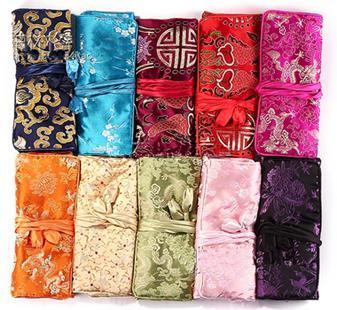 Sacs en tissu de soie portables bijoux cadeau de voyage rouleau pour collier bracelet boucle d'oreille anneau sac de rangement 3 poche zippée sac d'embrayage femmes en gros