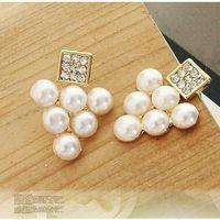 Wholesale Heart Shaped Diamond Earrings Studs - Free shipping Fashion white pearl earrings grapes shape elegant sweet full diamond pearl earrings stud 5x4mm 6paris lot