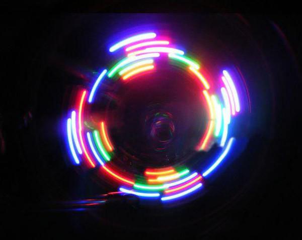 5 LED 32 éclairage différent vélo pneu valve émettant de la lumière Hot Wheels 50 boîte = 100 pcs