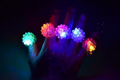 Erdbeere LED Finger Ring Lichter Blitzlicht Halloween Party LED Spielzeug Hochzeit liefert 20pcs 10pcs