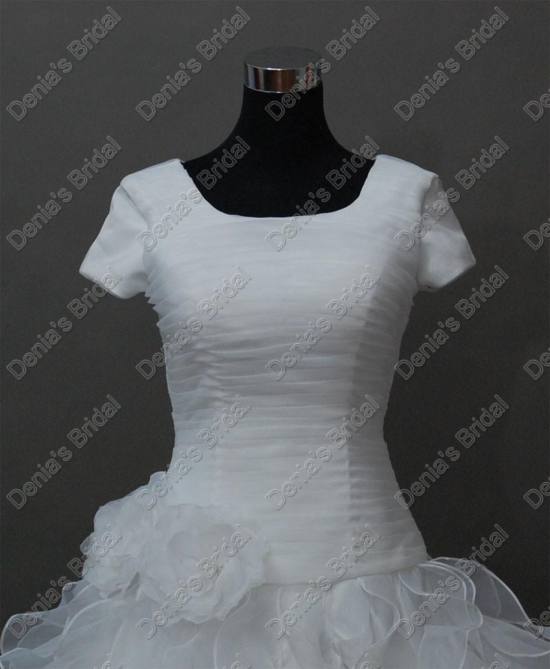 2017 Vintage manches courtes mariage élégant Robes de mariée plissée corsage Jupe à volants superposés réel images réelles DB236