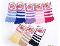 venta de calcetines de punta de algodón al por mayor-Venta directa de fábrica de algodón cinco dedos del dedo del pie calcetines de algodón raya cromática calcetines 50 par