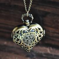 silberne antike taschenuhr halskette groihandel-Bronze Skeleton antike Taschenuhren Vintage Steampunk Herz Silber Anhänger Halsketten Uhren Quarzuhren Weihnachtsgeschenk Frauen Männer