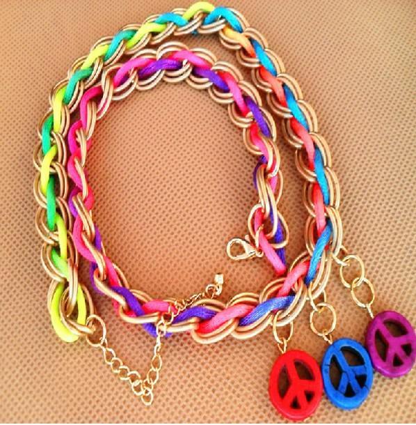 Fluorescerande vävning Peace Armband Färgglada ljusa fridfulla armband