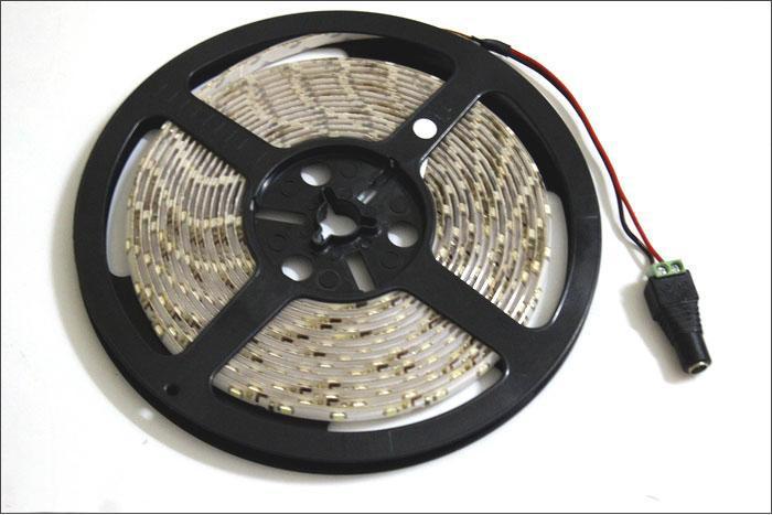 12V IP65 imperméable 5m 3528 SMD flexible LED Strip lampe de lumière blanche 60led / m + alimentation