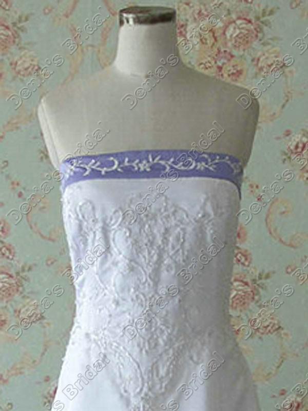 2017 strapless a linha de vestidos de casamento bordado marfim branco de cetim roxo pescoço fita real imagens vestidos de noiva DB268