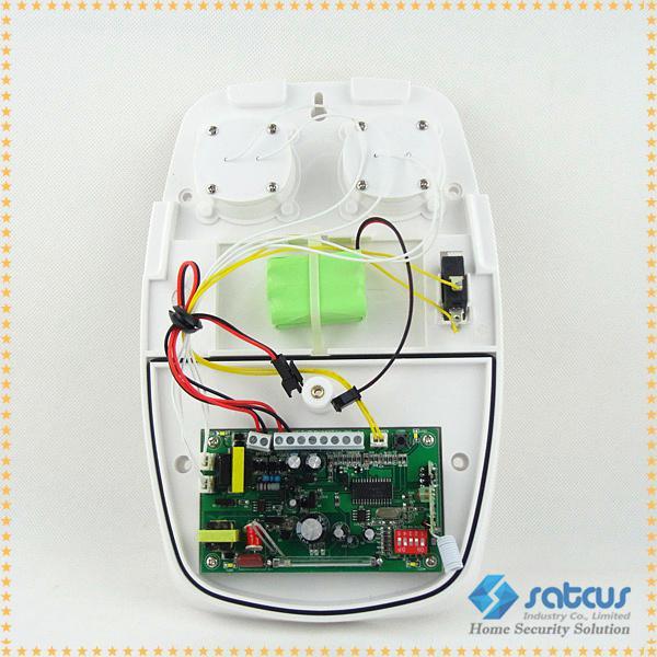 Trådlös Utomhus Vattentät Larm Siren Horn med 120 dB Ljud Varning Strobe Light för GSM Alarm System