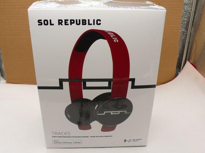 Nova chegada Sol República Tracks On-Ear Headphones com Mic Music Control navio rápido