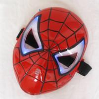 ingrosso giocattoli blu spiderman-Addensare Cosplay Incandescente Spiderman Spider Man Mask con occhi blu LED Make up Toy for Kids Boys