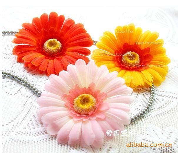 100 stks Gemengde kleuren Daisy kunstmatige zijden bloem voor bruiloft bruids boeket decoratie Craft 4.3