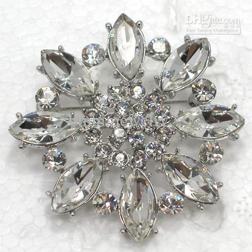 Großhandel c2071 eine klare kristallrhinestone brautjungfer blume broschen hochzeit party prom pin brosche schmuck geschenk