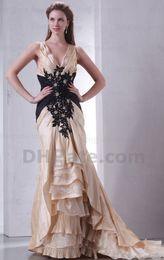 Elegante modesto 2015 nuevo con cuello en v oro satén negro apliques de encaje madre de la novia vestidos de noche vestido MD012